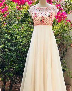 Party Wear Frocks, Gown Party Wear, Indian Wedding Gowns, Indian Gowns Dresses, Fancy Dress Design, Frock Design, Designer Gowns, Indian Designer Wear, Anarkali Dress