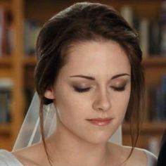 Beautiful Bella Cullen, Wedding scene in Twilights Breaking Dawn 1, played by Kristen Stewart.