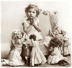 little girl with her dolls recite your prayers and say goodnight whimsical childhood vintage photo sweet print for a mothers day card Vintage Children Photos, Children Images, Vintage Girls, Vintage Pictures, Old Pictures, Vintage Images, Old Photos, Victorian Photos, Antique Photos