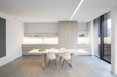 Kitchen by Belgian master builders Obumex. Photo by Anninck Vernimmen.