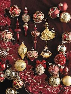 Boasting a medley of textures, patterns and warm colors, the 60-pc. Joyeux Noel Ornament Collection brings an elegant and festive touch to your Christmas tree.
