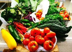 Red Carrot, Fruits And Veggies, Vegetables, Kale Chips, Tomato Sauce, Farmers Market, Carrots, Organic, Stuffed Peppers