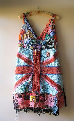 london town dress, reminds Kristin of her British sis in law, clothing designer