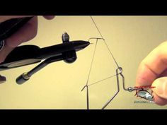 How To Use Whip Finish Fly Tying Tool - Whip Finisher Instructions and Directions - This is a little tricky when you get started. How To Use Fly Tying Whipfinish Tool Fly Fishing Lures, Fly Fishing Tips, Fishing Videos, Fishing Knots, Trout Fishing, Fly Fishing Equipment, Crappie Jigs, Fly Tying Tools, Fishing For Beginners