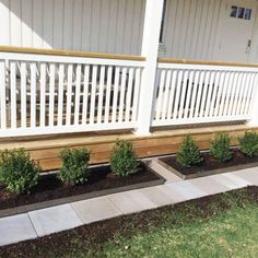 rabatt entre Kantstd i cortenplt fr trdgrd och rab - Deck Railing Design, Balcony Railing, Deck Railings, Outdoor Life, Outdoor Gardens, Outdoor Living, Outdoor Decor, Window Grill Design, Front Porch Design