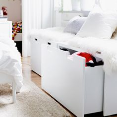 Close-up of IKEA STUVA storage benches with sheepskins and cushions on top. IKEA offers everything from living room furniture to mattresses and bedroom furniture so that you can design your life at home. Check out our furniture and home furnishings! Furniture, Home, Storage Bench Seating, Ikea Stuva, Bedroom Storage, Bedroom Design, Ikea Bench, Trendy Bedroom, Room