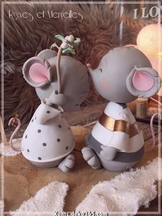 Pin by Claudia Kriebs on Kreativ Polymer Clay Ornaments, Cute Polymer Clay, Cute Clay, Polymer Clay Miniatures, Fimo Clay, Polymer Clay Projects, Polymer Clay Creations, Fondant Animals, Clay Animals