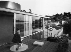 neutra_Bien que plus connu pour ses bâtiments résidentiels, les projets commerciaux de Richard Neutra vivent avec le paysage environnant et un fonctionnalisme sans compromis.