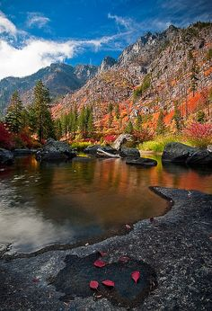 Ubiquitous fall colors along the Wenatchee River in Tumwater Canyon, Washington State