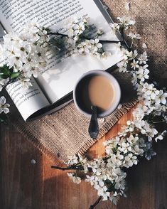 At Pretty Page Turner there's nothing better than a book in one hand and a steaming espresso latte or coffee in the other. We love a coffee aesthetic staged for beautiful coffee photography. #coffee #booksandcoffee #booklover