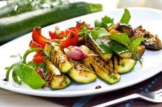 Letnia sałatka z bakłażanów i papryk! #sałatka #bakłażan #papryka #smacznastrona