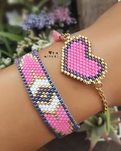Bead Loom Bracelets, Beaded Bracelet Patterns, Bead Loom Patterns, Woven Bracelets, Pink Lila, Pink Purple, Beaded Earrings Native, Jewelry Illustration, Bead Jewellery