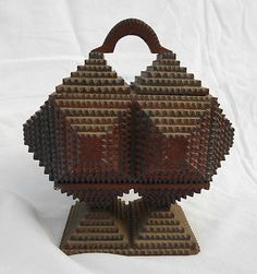 ANTIQUE TRAMP ART CARVED WOOD GEOMETRIC TRINKET BOX