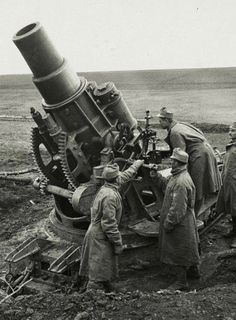 Austro-Hungarian Heavy siege mortar, World War I. Austrian Empire, Austro Hungarian, Big Guns, Military Weapons, Korean War, World War One, History Photos, War Machine, Vietnam War