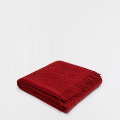 RED CUTWORK BLANKET - Decoration - Christmas | Zara Home Portugal