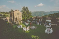 Italy: Tuscan Destination Wedding with Moumou Photography   Fly Away Bride