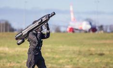 Die Skywall 100 Bazooka fängt Drohnen mit einem riesigen Netz - http://neuetech.net/die-skywall-100-bazooka-faengt-drohnen-mit-einem-riesigen-netz/