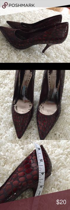 """BCBGirls Snakeskin Pointed Heels Gorgeous purple & black snakeskin heels. Heels are 3.5"""" high. The inside is a little dirty & scuffed but the outside of the shoes are in good condition. BCBGirls Shoes Heels"""