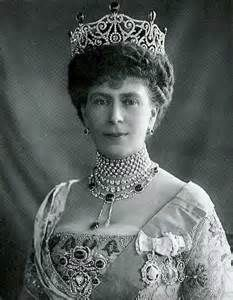 Queen Mary Delhi Durbar tiara with Cambridge emeralds