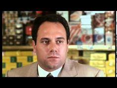 Scena epica di Sergio Benvenuti (Carlo Verdone) convocato al negozio di alimentari del suocero (Mario Brega).