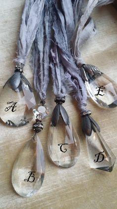 Sari de seda... Cinta vintage y cristal... por TheVintageJunkieShop