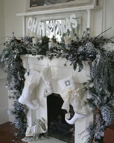 20 Gorgeously Decorated Christmas Mantels | Clipboards