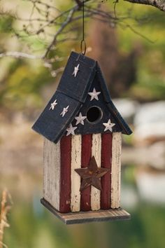 Americana Wooden Birdhouse...functional and patriotic!