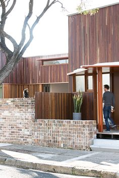 Marrickville Courtyard House is a Subdivision that Doesn't Dominate