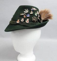 Vintage-1940s-50s-Bavarian-Alpine-Tyrolean-Gamsbart-Hat-W-Many-Enamel-Pins