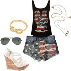 4th of July outfit? Um duh! Love Love LOVE the top!!