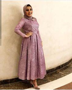 Ideas For Dress Hijab Party Gold Hijab Prom Dress, Hijab Evening Dress, Hijab Wedding Dresses, Dressy Dresses, 15 Dresses, Evening Dresses, Long Dress Fashion, Hijab Fashion, Fashion Dresses