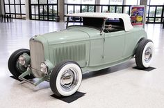 "1932 Ford Roadster - Highboy - Classic ""Old School"" Hot Rod"