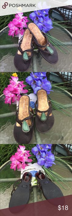 SUPER CUTE Nine West leather low heel sandals SUPER CUTE Nine West low heel leather sandals - brown brushed look leather with green middle stone. GREAT lightly worn condition. Small scuff on front top of shoe not noticeable when worn. Nine West Shoes Sandals