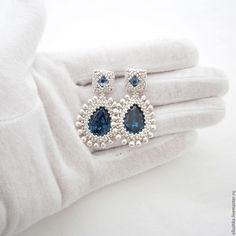 Купить Серьги из бисера и кристаллов Swarovski - серебряный, jewelry, jewellery, earrings, украшения ручной работы
