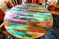 Top funky table ronde peinte coloré autour des tables en   Etsy Reclaimed Doors, Reclaimed Wood Art, Barn Wood, Door Wood, Acrylic Craft Paint, Diy Painting, Bois Diy, Pipe Table, Roof Colors