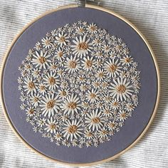 This photo can be a very inspiring and top notch idea – Handstickerei Flower Embroidery Designs, Simple Embroidery, Hand Embroidery Stitches, Modern Embroidery, Embroidery Hoop Art, Cross Stitch Embroidery, Sewing Stitches, Embroidery Patches, Ribbon Embroidery