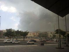 Ventania com tempestade de areia em frente ao Shopping Vitória