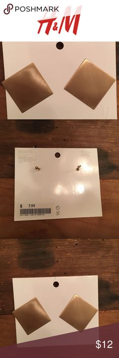 Brass square earrings- NWT Brand new with tags and packaging. Fabulous metal squares. The posts are in the corners so they hang more like diamonds. Brushed metal for an effortlessly chic look. H&M Jewelry Earrings