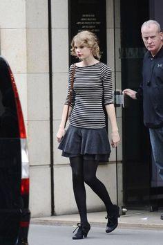 ティアードスカートで可愛らしさを