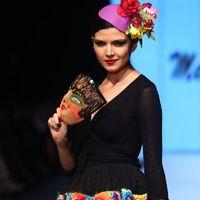 El futuro esta por tejerse   Galería de fotos 4 de 6   Vogue Perú