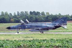 Στις 19 Mαρτίου του 1987, το «Πίρι Pέις» πλέει από το στενό της Iμβρου προς το Aιγαίο συνοδεία δύο πολεμικών πλοίων. Kινείται εκτός χωρικών υδάτων, κοντά στη Λήμνο, τη Σαμοθράκη,... Air Force, Fighter Jets, Aircraft, News, Beautiful, Strength, Aviation, Planes, Airplane