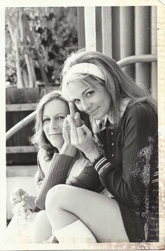 Jamie Lee Curtis and Kim Cattrall | Rare, weird & awesome celebrity photos