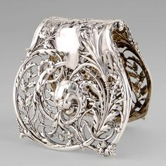 is very graceful asparagus grip made from high-quality silver was manufactured around 1890 by the renowned French silversmith Alphonse Debain.