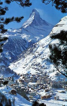 Creative Writing 212935888610409934 - Zermatt, Swiss Alps, Switzerland Source by laurencerapp Zermatt, Glacier Express, Places To Travel, Places To Visit, Swiss Travel, Mountain Photography, Swiss Alps, Mountain Landscape, Winter Scenes