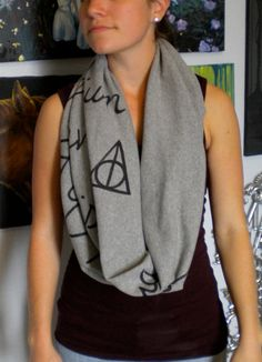 Harry Potter scarf!! Love it!