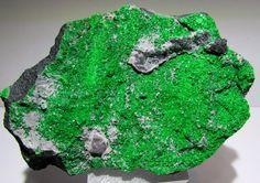 Uwarowit-xx (grüner Granat) große Hand-Stufe Permaskaya Oblast, Ural, Russland ! • EUR 109,00 - PicClick DE