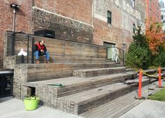 Bench stairs on the High Line in New York. Would be a nice way to make outside seating in a café/bar.