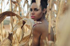Foto: Maíra Morais  /  Beleza: Amanda Marinho  /  Modelo: Larissa Cunegundes  http://valentinamag.com/edicao-6/#pagina51