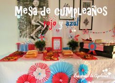Mesa de cumpleaños para preadolescente en rojo y azul. Teenager Birthday table, blue and red.