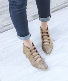 tan flat ankle boots